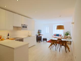 Comfort and Class in Historic Centre (Free WIFI) - Lisbon vacation rentals