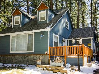 Pet-friendly w/ private hot tub, close to skiing & beaches! - South Lake Tahoe vacation rentals