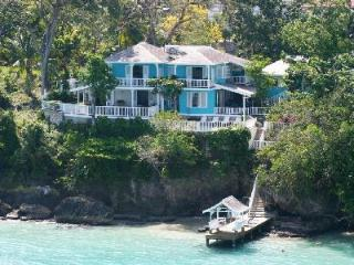 Oceanfront Scotch on the Rocks- private cove, pool- jacuzzi & gardens - Ocho Rios vacation rentals