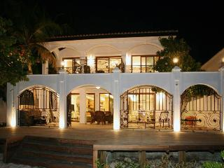 King's' Villa on the Beach - Simpson Bay vacation rentals