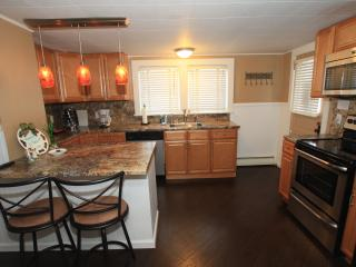 Cozy Cottage on a quiet st, Greensburg, PA 15601 - Clarksburg vacation rentals