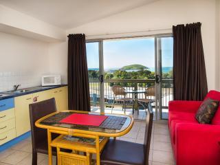 2 bedroom oceanview spa apartment B - Brooklana vacation rentals