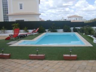 Villa for 10 people 300 m Galé Beach Albufeira - Albufeira vacation rentals
