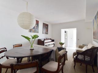 Villa Lisbon garden apartment - Estoril vacation rentals