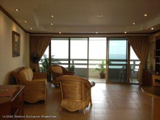 Gorgeous 1-Bedroom Apartment on 16th Floor of Grand Condotel  - 49 - Jomtien Beach vacation rentals