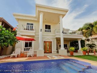 Stunning Pool Villa - Pratumnuk Soi 6  - 493 - Jomtien Beach vacation rentals