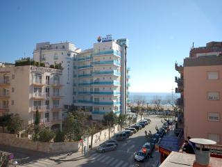 APARTMENT CALELLA near BEACH - Calella vacation rentals