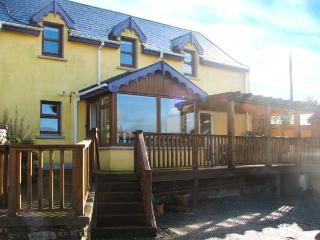 TARA COTTAGE, pet-friendly, character holiday cottage, with a garden in Clonakilty, County Cork, Ref 3896 - Courtmacsherry vacation rentals