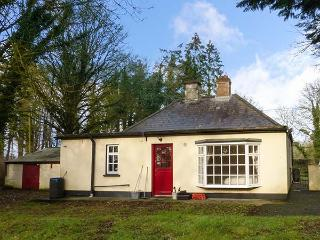 GREEN GABLES, woodburning stove, spacious garden, pet-friendly, near Trim, Ref. 916342 - County Meath vacation rentals