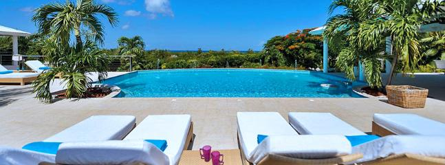 Villa Encore SPECIAL OFFER: St. Martin Villa 327 The Absolute Tranquility And Magnificent Views In Late Afternoon Hours Make This Gorgeous, Spacious And Beautifully Decorated House An Extremely Attractive Choice. - World vacation rentals