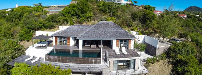 SPECIAL OFFER: St. Barths Villa 17 The Villa Has An Amazing View Over The Surrounding Islands And The Ocean. - Pointe Milou vacation rentals