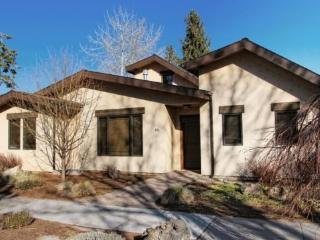 Walk To All The Fun, Luxury Custom Built With Hot Tub! - Bend vacation rentals