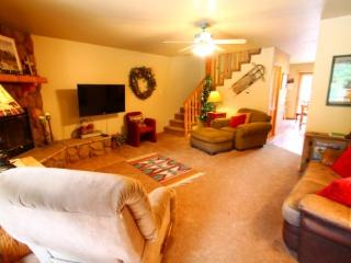 Papa DJ`s Place - In Town, On the River, Near Fishing Ponds, Huge Deck, Washer/Dryer, King Bed - New Mexico vacation rentals