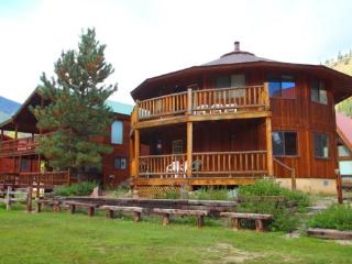 Round Eagle - Unique Home in Town, On the River, Ski In/ Ski Out, Wrap-around Deck, Washer/Dryer, King Beds - Red River vacation rentals