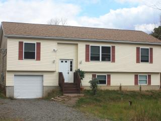 Super Comfortable Home! Perfect for Large groups - Long Pond vacation rentals