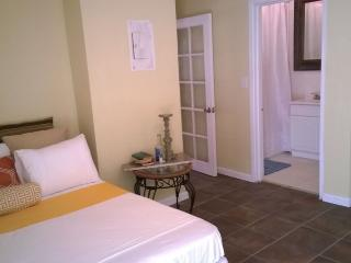Tangerine Sunsets - Murcott Villa - Nassau vacation rentals