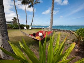 Fall Special Hauula Oceanfront Cottage - Hauula vacation rentals