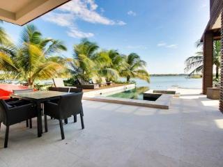 Wild Orchid Belize - Villa Guava - Placencia vacation rentals