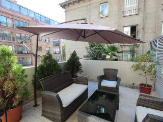 Walking distance / Subway/ restaurant /Big terrace - Santiago vacation rentals