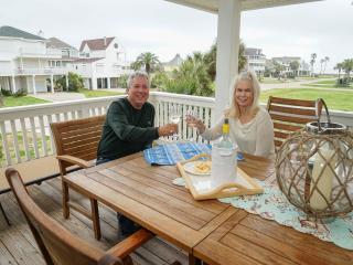 Coastal Living Relaxing Luxury Home !! - Galveston vacation rentals