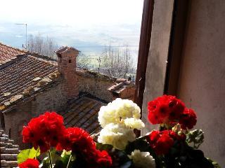 Romantic Tuscany in Historical Cortona - Sofia - Musso vacation rentals