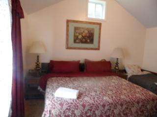 1BD Cozy Vacation house near beach (830A) - New York City vacation rentals