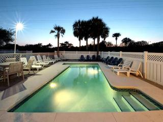 Beautiful Crystal Beach House! Private Pool! Short Walk To Beach! - Destin vacation rentals