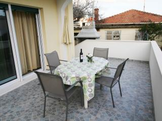 Gally Apartment for 3 in Trogir with AC and WiFi - Trogir vacation rentals