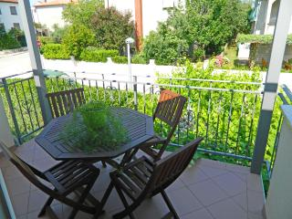 Rosie Apartment for 4 with air conditioning - Pula vacation rentals