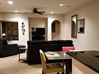 Scottsdale N. Gorgeous 1st Fl, 2BR, 2BA, 2CG - Scottsdale vacation rentals