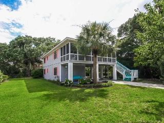 Muse Cottage- Raised Tybee Cottage brimming with color! Screened Porch! Private Dock on Marsh! - World vacation rentals