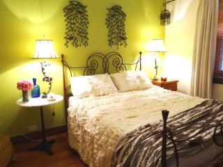 3bdrms sleeps 5, 15mins Adelaide-Glenelg BeachTram - Adelaide vacation rentals