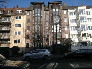 LLAG Luxury Single Room in Düsseldorf - 54473821 sqft, free wireless internet, digital television,… - Oberhausen vacation rentals