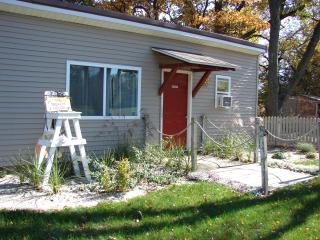 Family Fun Beach Themed Cottage In Quiet Resort - Three Rivers vacation rentals