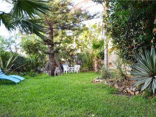 wonderful villa with garden 300m from the beach - Alcamo vacation rentals