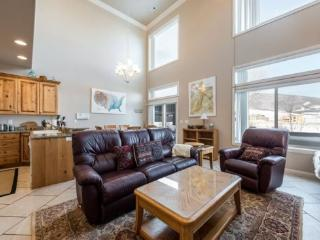 Snowbasin View | Luxury 3 Bedroom | Lakeside Unit 45 - Huntsville vacation rentals
