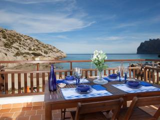 CS16 Barques 3 - Cala San Vincente vacation rentals