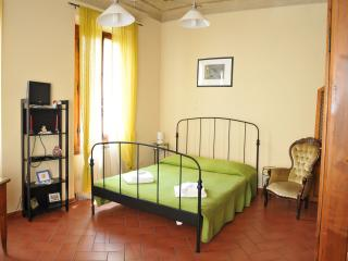 SAN ZANOBI APARTMENT - Florence vacation rentals