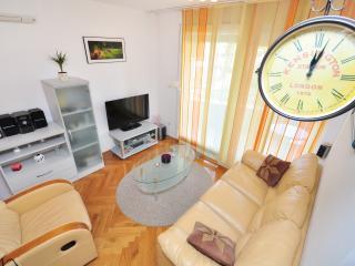 London Eye Apartment - Split vacation rentals