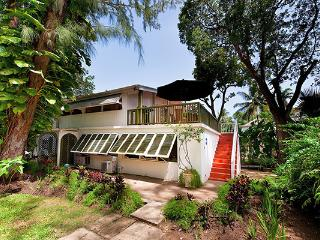 Romantic hideaway with private path to beach. BS LIT - Barbados vacation rentals