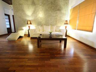 Spacious 2BR Apt on Gower St, Colombo 5, First Fl - Panadura vacation rentals