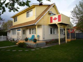 Shoreline B&B - 2 br suite,1 br suite: lake & city - Kelowna vacation rentals