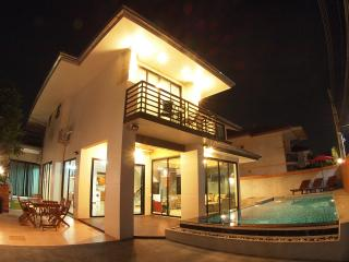 Vichy Villa # 2: New 6 bed Pattaya Luxury villa - Jomtien Beach vacation rentals