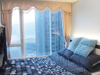Mid-Floor Seaview COOL Room - Hong Kong vacation rentals