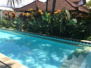 Kuta 2 BR, 3 Queen Beds,Free Breakfast,Shared Pool - Kuta vacation rentals