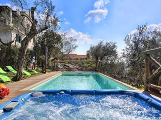 Aragona, Holiday home with breathtaking views - Gualdo Cattaneo vacation rentals