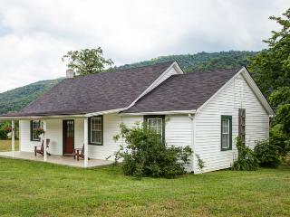 Jackson Cottage - A stunning 2 bed 1 bath cottage beside the Jackson River within Meadow Lane. Convenient access for fly fishing - Warm Springs vacation rentals