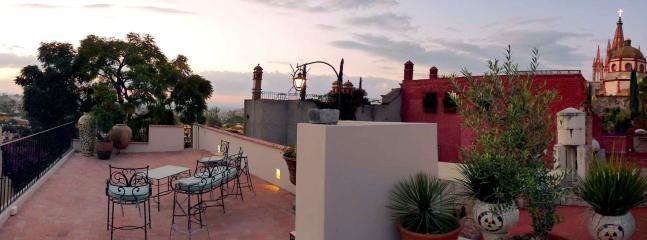 One block from the Parroquia - Casa Shalom - Image 1 - San Miguel de Allende - rentals