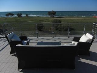 Sea front apartment - Pizzo vacation rentals