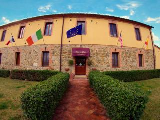 Olivo  bedsit house in Tuscany Chianti Hills - Pianella vacation rentals